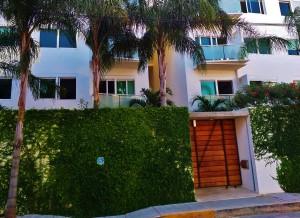 Playa Del Carmen buildings