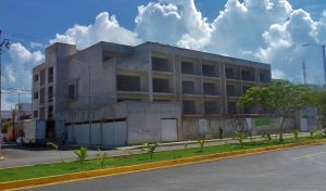 New condo buildin in Playa Del Carmen