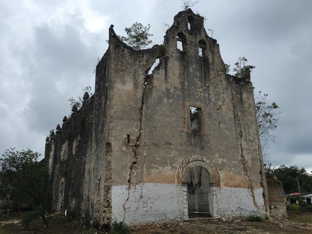 The church in Tixhualactun, Yucatan