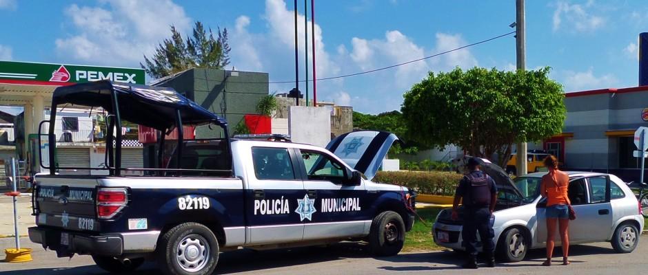 playa del carmen mexico police