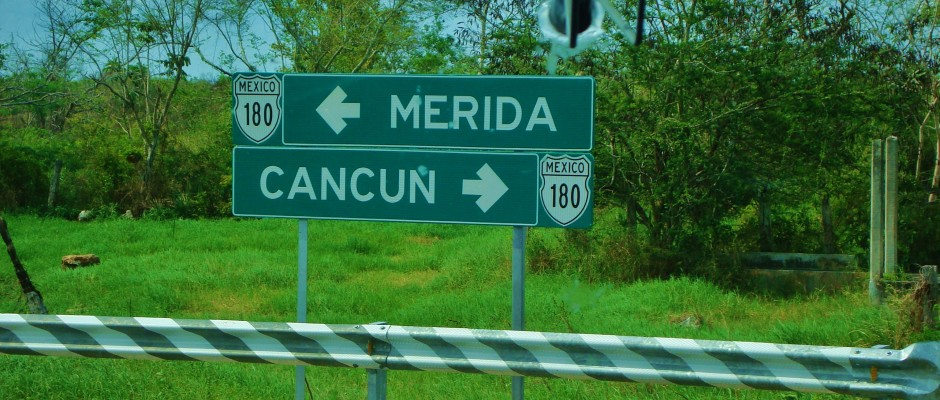 Cancun road sign