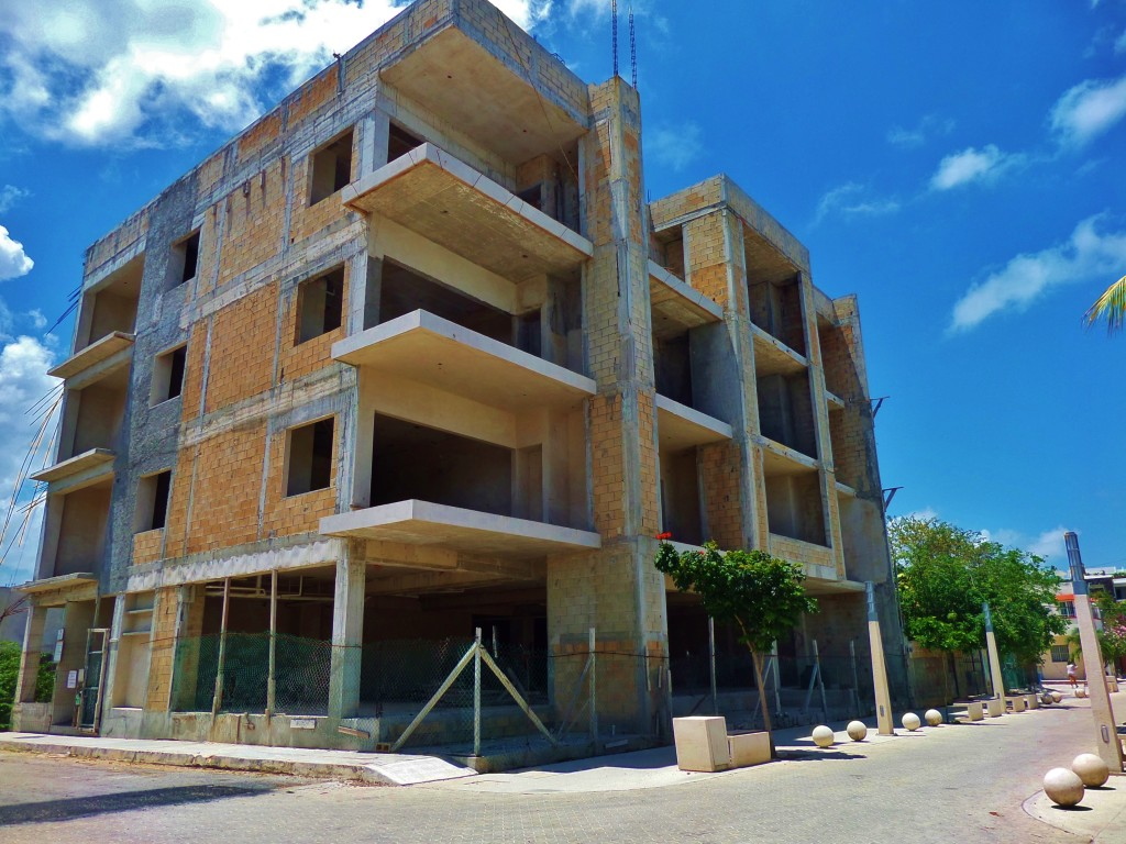 Building Colosio, Playa Del Carmen