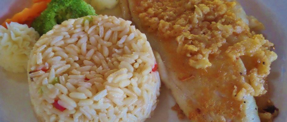 El Oasis Mariscos seafood restaurant in Playa Del Carmen