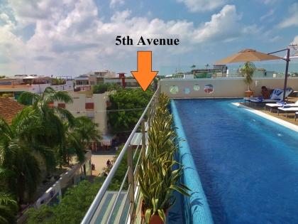 Artisan Hotel in Playa Del Carmen with roof pool