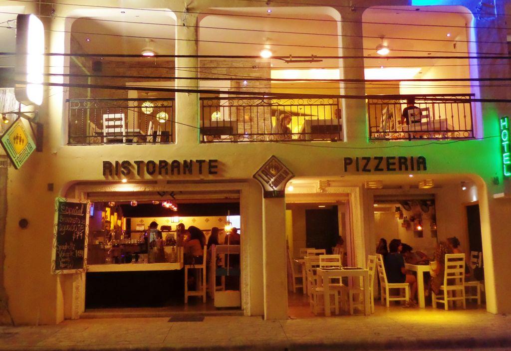 La Famiglia Restaurant in Playa Del Carmen