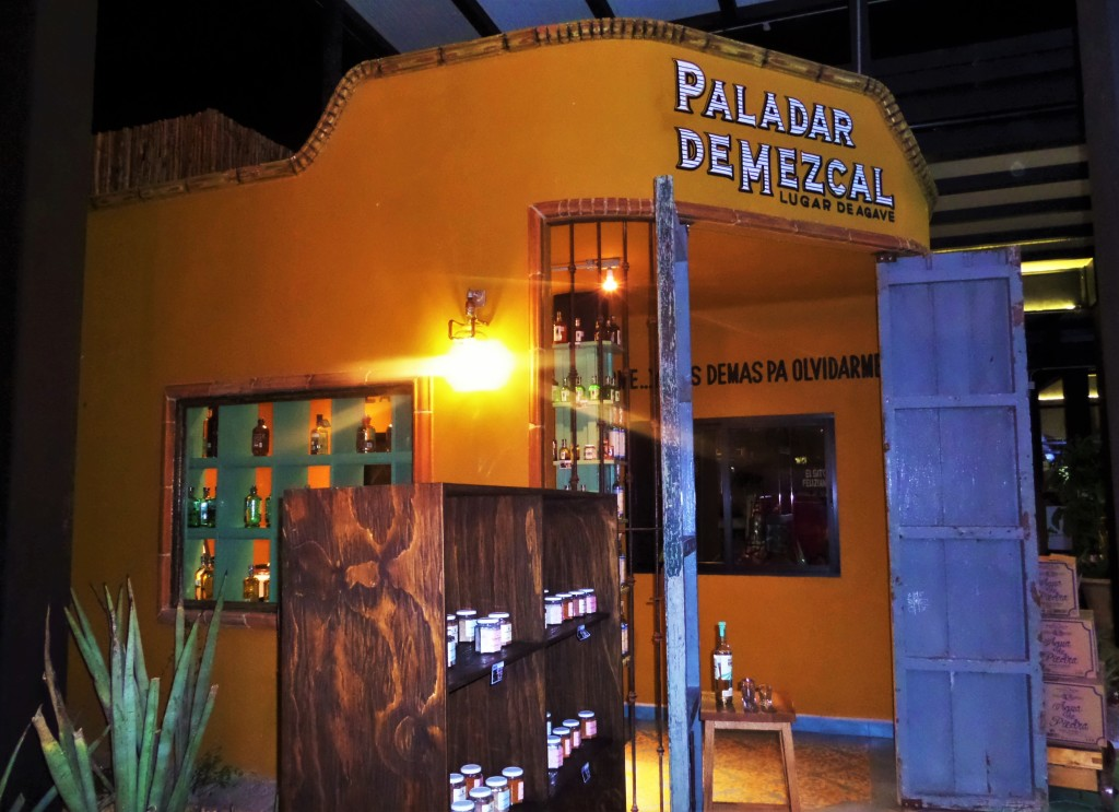 La Memorable food Market in Playa Del Carmen by the Grand Hyatt