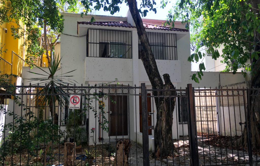 Small house in Playa Del Carmen