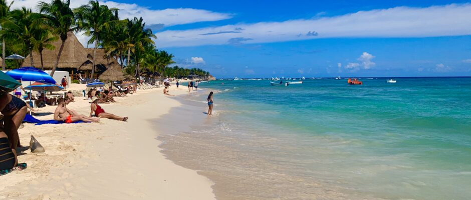 Beaches open Playa Del Carmen